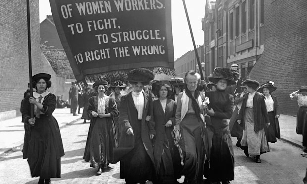 Suffragettes march 1911